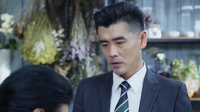 【梅花儿香】第25集预告-程友信帮梅花解决花店纠纷