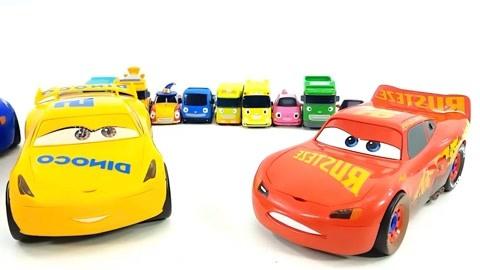 小公交车太友:组装游戏汽车,麦昆