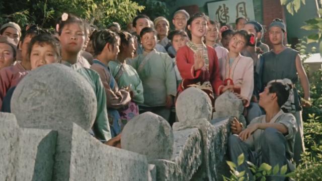 刘三姐和众多才子对山歌,把才子们一个个怼的没话说,太精彩