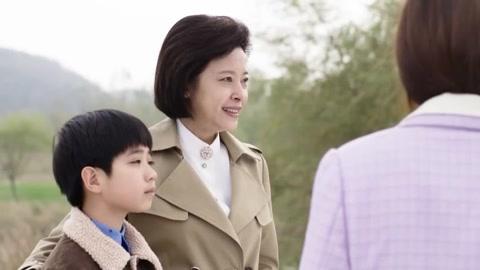 《养母的花样年华》上海人遇上四川小钢炮互看不顺眼