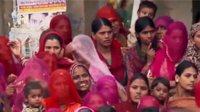 《印度合伙人》今日上映 大起大落的真实故事改编