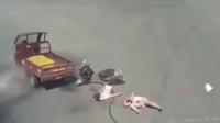 触目惊心的一幕 监拍电动车惨撞三轮车