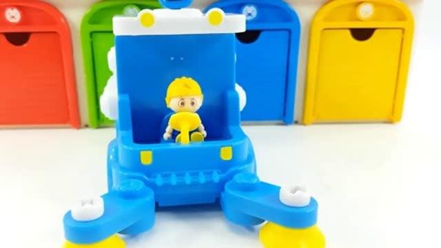 光棍影院手工组装蓝色小汽车,这不是道路清洁车吗?儿童玩具组装