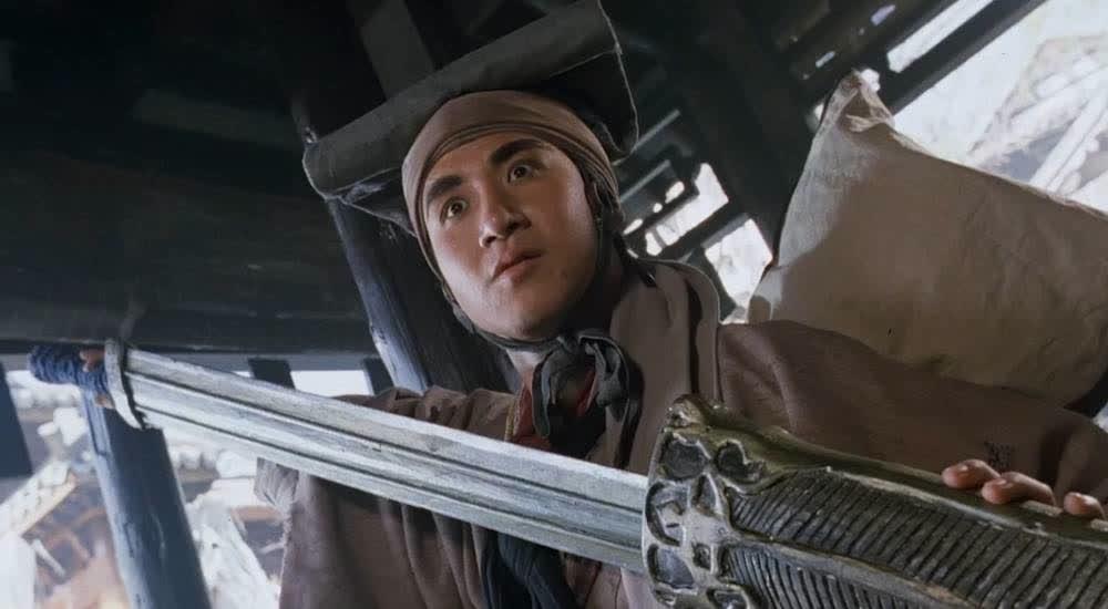 张学友秀剑气,剑气太大令和尚的金佛显露出来,这下和尚麻烦了