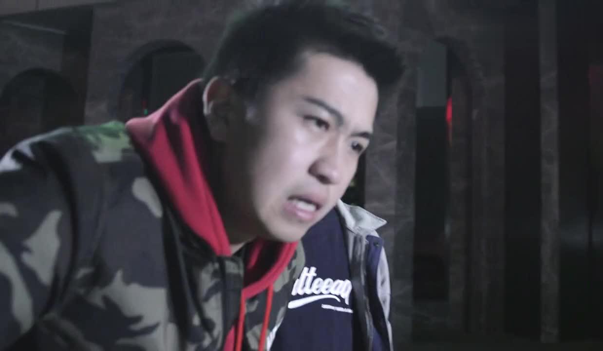 陈翔六点半:电动车被偷了,小伙却和小偷谈笑风生