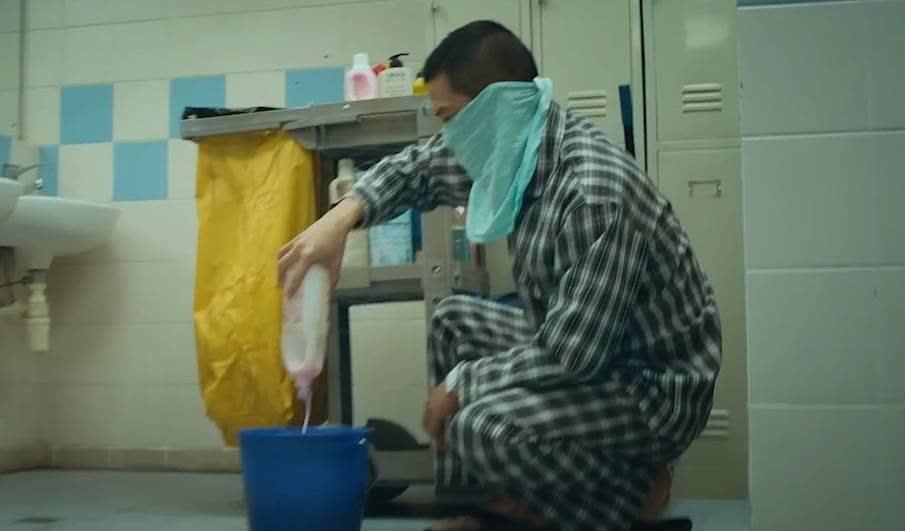张家辉被警察监视,自制毒雾逃脱,学好化学走遍天下都不怕